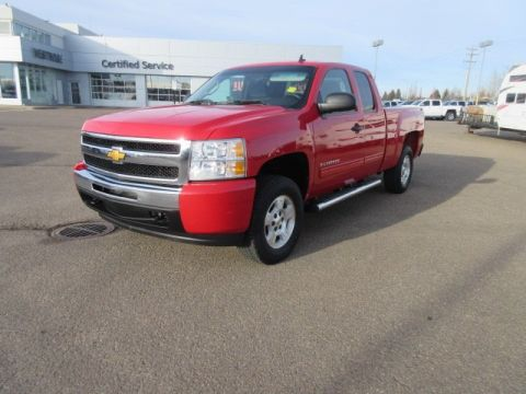 Pre-Owned 2009 Chevrolet Silverado 1500 Work Truck. Text 780-205-4934 for more information! 4WD