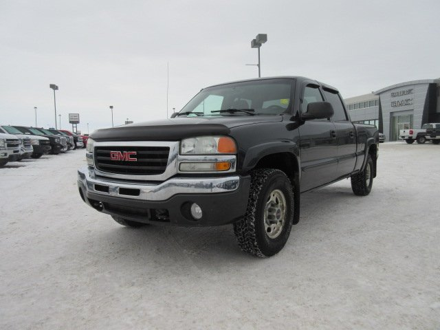 Pre-Owned 2003 GMC Sierra 1500HD SLE. Text 780-205-4934 for more information!