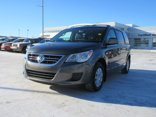 Pre-Owned 2010 Volkswagen Routan COMFORTLINE. Text 780-205-4934 for more information!